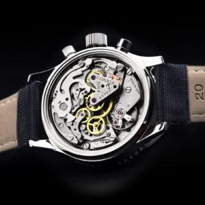 s l1600 1 300x300 - Relógio Automático: Entenda o que é e como funciona